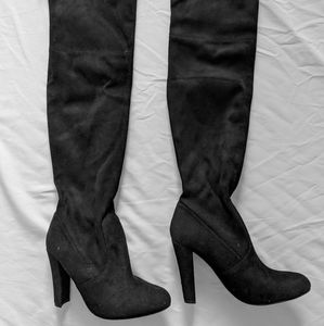 NW Steve Madden Thigh High Black Suede Boots 7